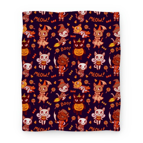 Spooky Cute Cats in Halloween Costumes Blanket
